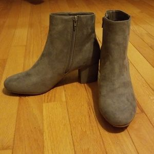 Charlotte Russe Shoes - NEVER WORN! Charolett Russe ankle booties